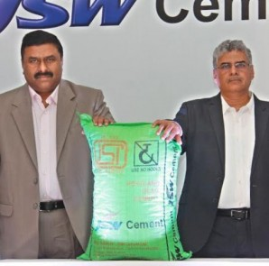 Left - Mr. Anil Kumar Pillai, CEO - JSW  & Mr. Pankaj Kulkarni, Director - JSW Cement Ltd Cement Ltd