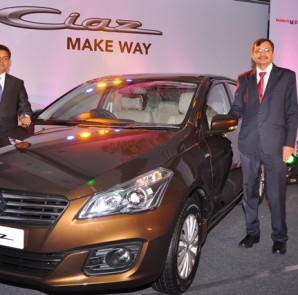 Maruti Suzuki CIAZ Launch (L toR) -Debjyoti  Dutta, Regional Manager, Karnataka &  Tarun Garg, VicePresident and National Head  (Sales)
