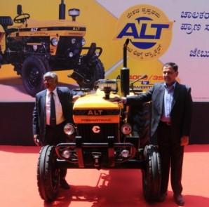 Mr. S. Sridhar, CEO, Escorts Agri Machinery & Mr. Shenu Agarwal, VP, R&D, Escorts Agri Machinery.