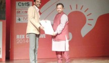Kishore Joseph being felicitated by Col. Datha Convenor iCongo REX in Delhi -1