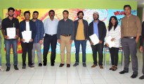 Mr. Pragyat Singh, Head, UOW India, along with Mr. Jojy Mathew, Director, AAT College  and AAT College students proceeding to UOW, UK for higher education