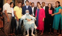 Mr Jayanth Shah (Patient) with family and team of doctors from Gleneagles Global Hospitals Bengaluru (GGH Bengaluru)