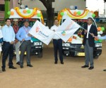 Mr. Ittira Davis - MD and CEO, Ujjivan Financial Services Ltd. and Dr. Sujeet Ranjan - COO, Piramal Swasthya flagging off the Mobile Medical Units_Bangalore