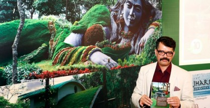 Mr. MJ Srikant, Chief Spokesperson for Rashi Eco Tourism Ltd., launching Siri Nature Roosts – Company's first concept-based project in the Eco-Luxury segment while unveiling its brochure and the statue of 'Vanadevathe'. He also elucidated Rashi's action plan towards contributing to Karnataka Tourism.