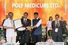 L-R - Union Minister Shri DV Sadananda Gowda - Himanshu Baid MD Polymed