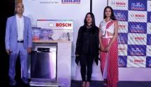 (L-R)-Mr  Gunjan Srivastava Ms Sukhleen Aneja and Miss Shanvi Srivastava