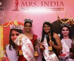 from left Prathima David  Mrs. India Pride Of Nation Ravishing 2019 – 1st Runner-up and  Esther Bernard, the title of Mrs. India Pride Of Nation 2019 –  Face of South in the zonal