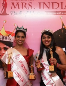 from left Prathima David  Mrs. India Pride Of Nation Ravishing 2019 – 1st Runner-up and  Esther Bernard, the title of Mrs. India Pride Of Nation 2019 –  Face of South in the zonal