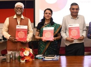 Business Review Magazine Launch Picture L to R, Dr. Y Shekar, Ms. Mythily Ramesh, Prof. Janat Shah, Mr. Ashok Soota and Ms. Kirti Mishra